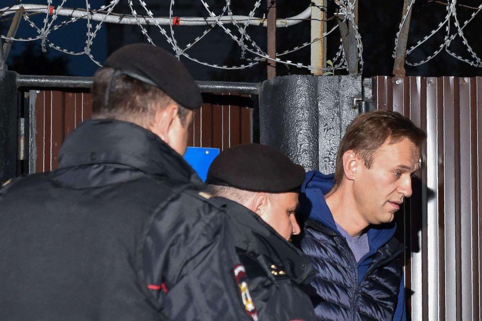 Navalny é solto e preso novamente no mesmo dia