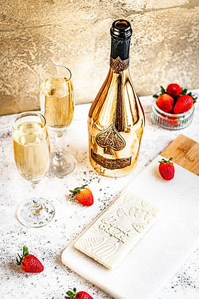 Champagne & Strawberry: White