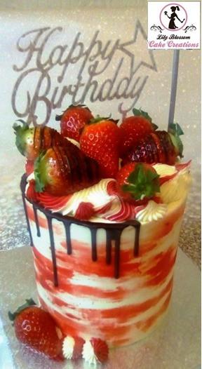 strawberry%20ripple%20cake3_edited.jpg