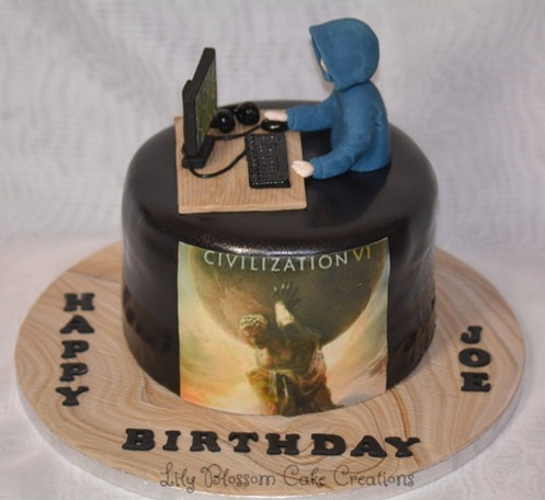 An Amazing 8 Gaming Birthday Celebration Cake Which Can Be Customised To The Girl Or Boys Favourite Game Serves 26 Guests