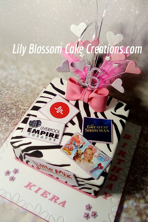 16th Birthday Cake / Lily Blossom Cake Creations / Liverpool / Merseyside
