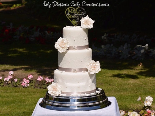 Pearls and Petals Wedding Cake