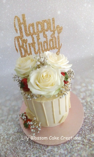Gold Roses Drip Cake.png