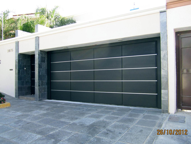 Puertas de cochera beautiful puerta cochera with puertas - Puertas automaticas para cocheras ...