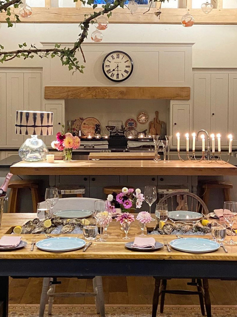 Prosecco Dining Table
