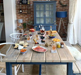 Prosecco Dining Tbale & 1 Bench