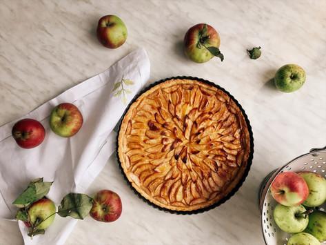 Tart s jabukama i kremom od vanilije