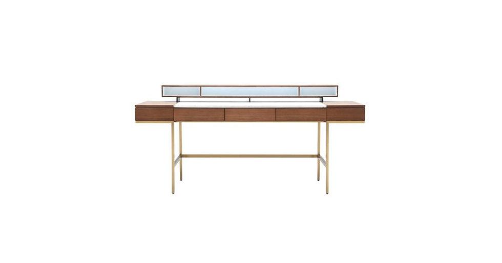 8762 - Desk