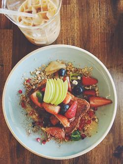 Fruit & Granola Bowl