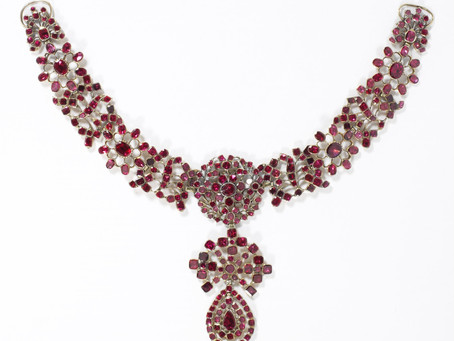 The Garnet in Antique Jewelry