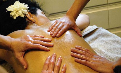 Le massage à quatre mains