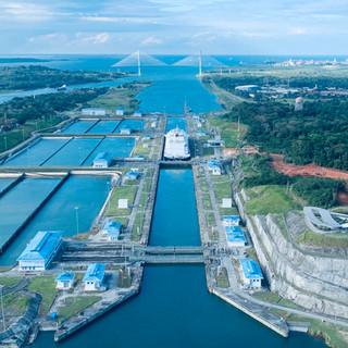"Neo Panamax LNG Ship on Agua Clara locks, and new ""Puente Atlantico"" (Bridge in the Back)"