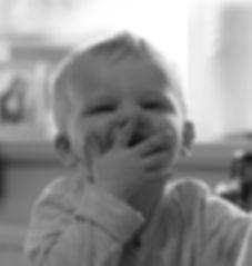 (page_1)_Pourquoi_signer_avec_un_bébé.