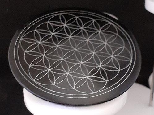 Fleur de vie gravée sur disque rond saponite