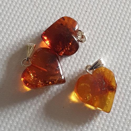 Coeur en Ambre, pendentif 15 mm