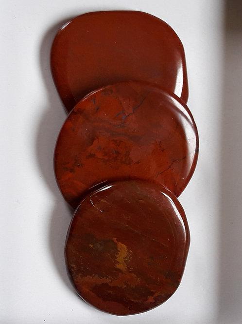 Galet plat jaspe rouge