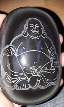 Galet obsidienne oeil céleste gravure de Bouddha