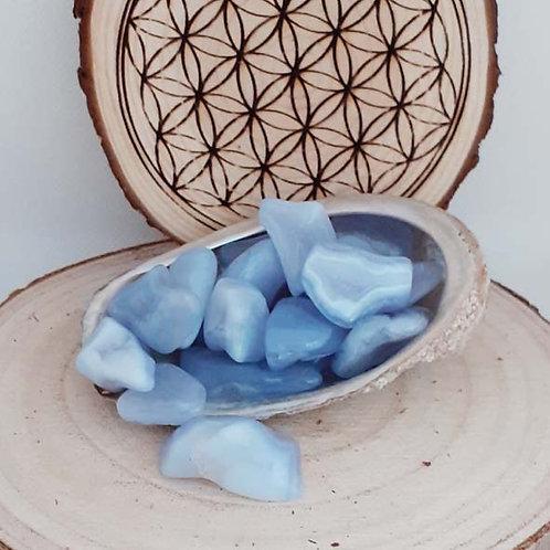 Calcédoine ou agate blue lace, petite pierre roulée