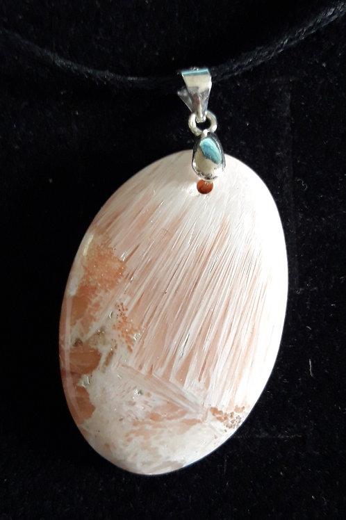 Scolécite, cristal angélique en pendentif