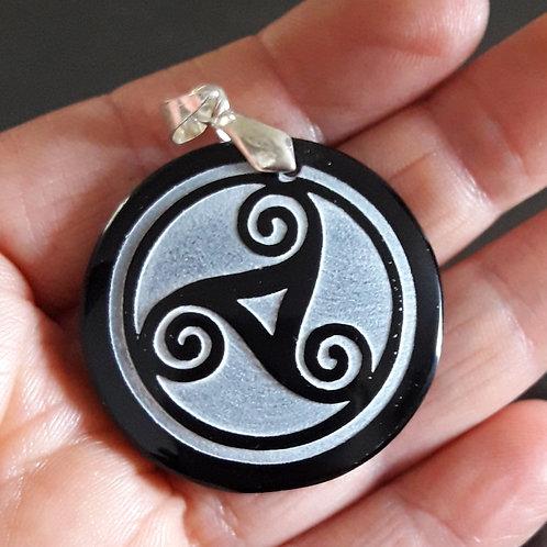 Obsidienne noire, pendentif Triskel