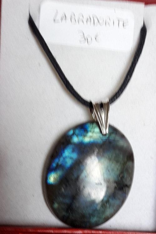 Labradorite bleue en pendentif, béliere argent 950