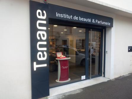 Chantier du jour. Institut de beauté & parfumerie Tenane à Lagnieu.