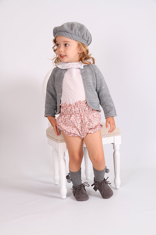Look 2: Culotte+blusa+chaqueta+boina