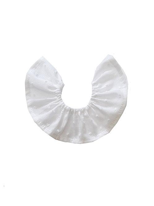 cuello de bebé en plumeti blanco
