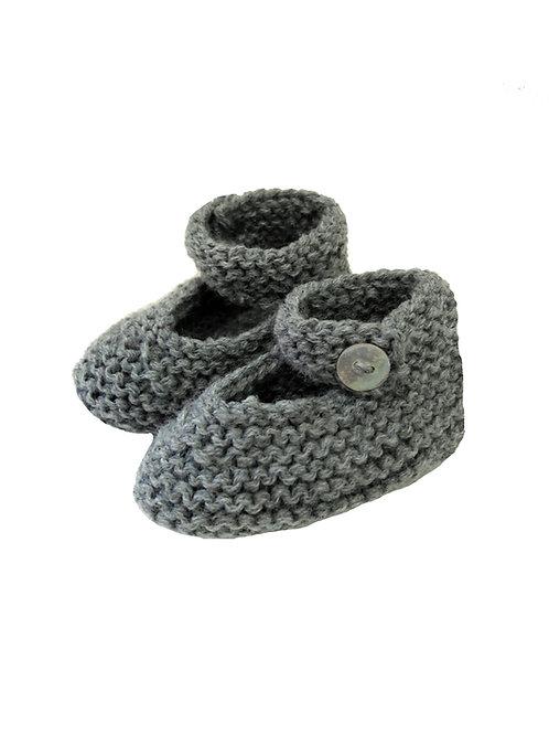 patucos a mano de lana gris