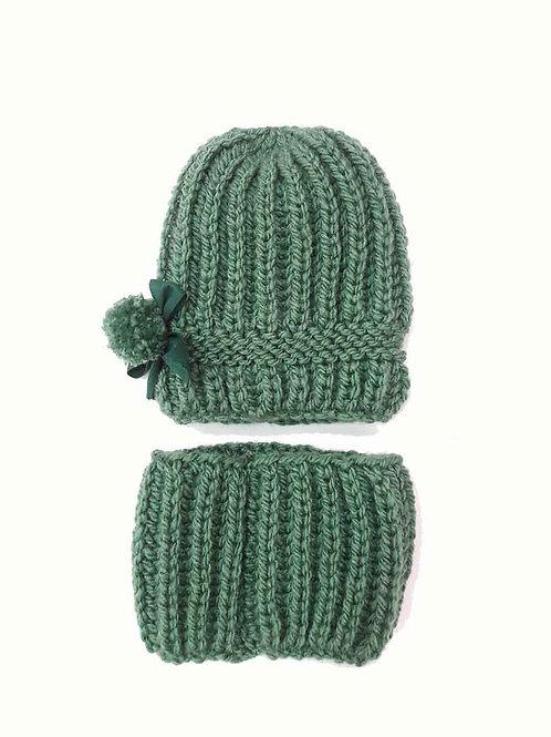 Gorro y cuello de lana color verde