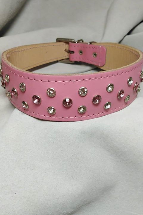 "Baby pink riveted collar 18"" - 20"""