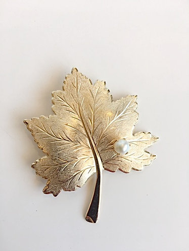 Sarah Conventry Signed Gold Leaf/Pearl Brooch