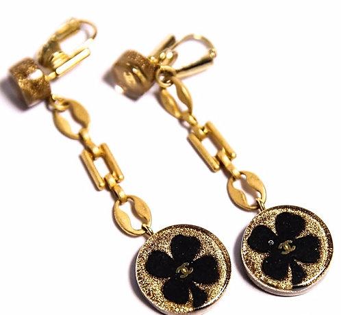 Vintage Chanel Paris Yellow Gold Tone Chain Clover Sparkle CC Clip Earrings