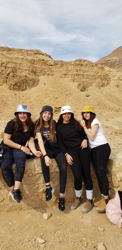 Nahal David hike Kitah Yud girls