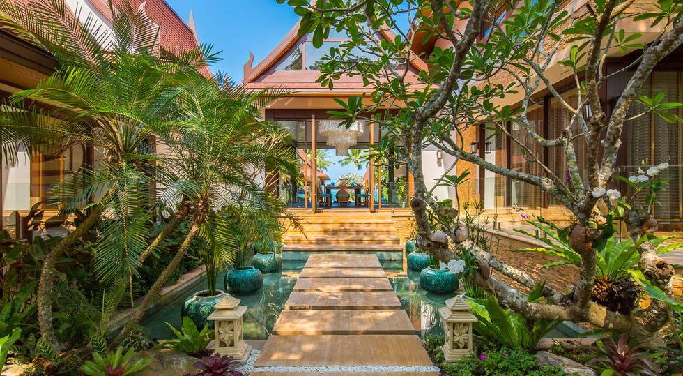 BaanTaoTalay Entrance1 - Baan Tao Talay