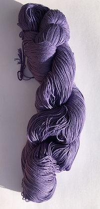 #7 fine sashiko thread 370m skein lilac purple