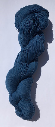 #2 fine sashiko thread 370m skein dark blue