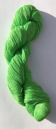 #4 fine sashiko thread 370m skein bright light green