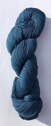 #23 fine sashiko thread 370m skein mid blue