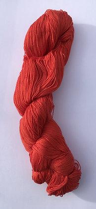 #25 fine sashiko thread 370m skein soft red
