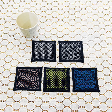 #SK331  indigo blue hitomezashi sashiko coaster kit