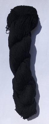 #22 fine sashiko thread 370m skein black