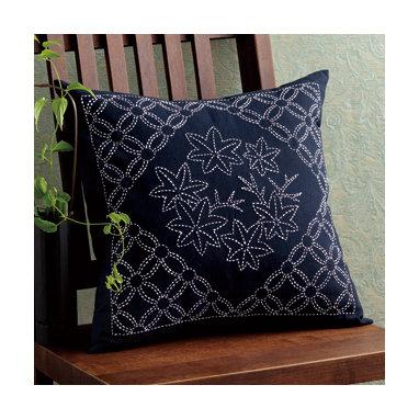 #SK259 sashiko cushion KIT 'momiji & maru shippo'