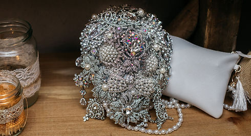 wedding-brooch-bouquet-bottom-banner_edi