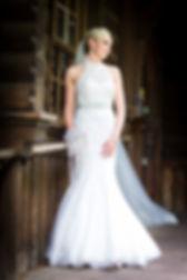 wedding-brooch-bouquet-bride.jpg