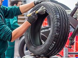 Montagem de pneus
