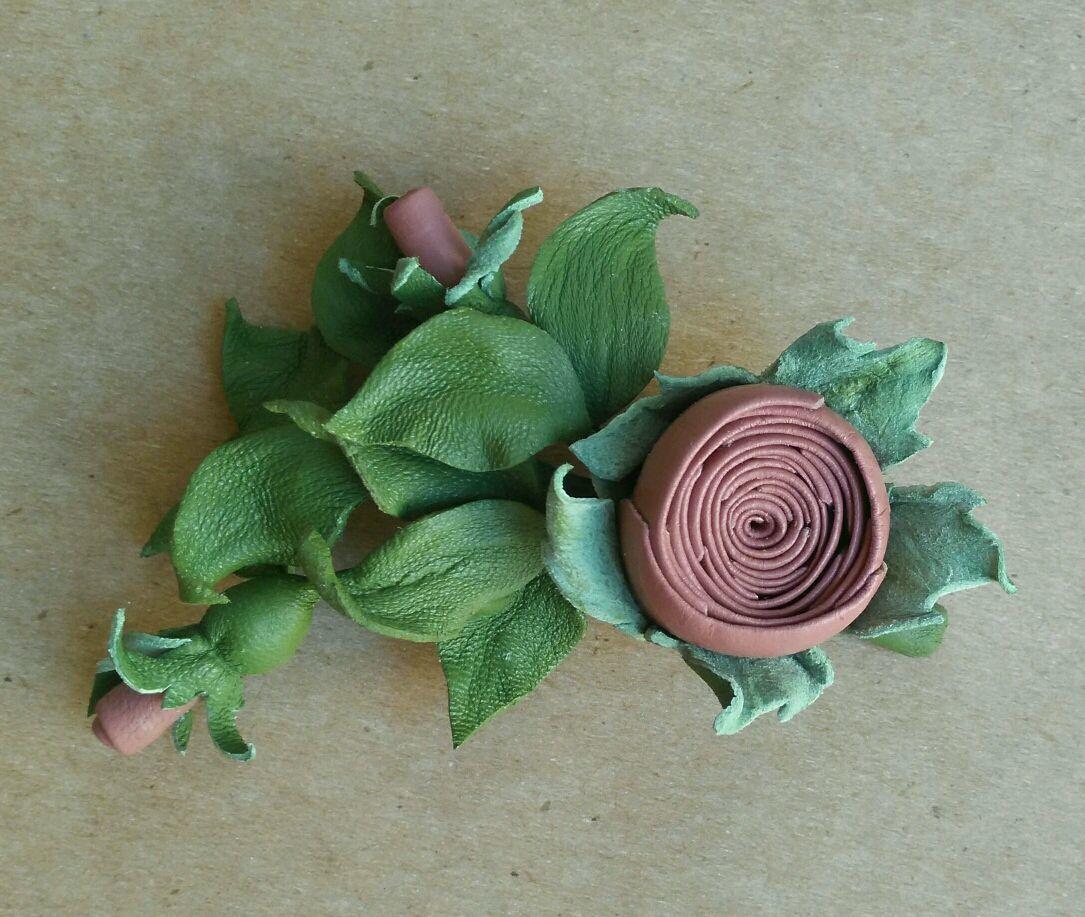 Брошь Бутоньерка Веточка розы