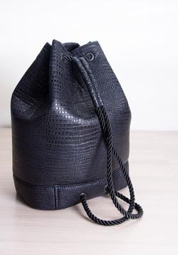 рюкзак темно - синий из кожи