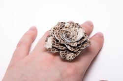 Кольцо из кожи Роза
