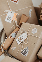 świąteczne ozdoby i prezenty